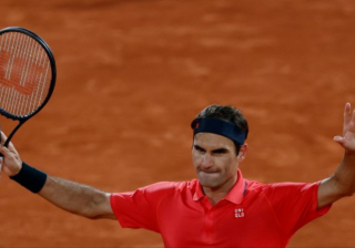 Roger Federer withdraws from French Open with Wimbledon in mind.